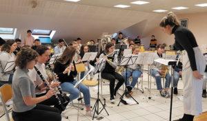La transmission auprès des jeunes est primordiale pour les Cadets de Mauron. Ici, lors d'un stage au lycée La Touche de Ploërmel en décembre dernier.